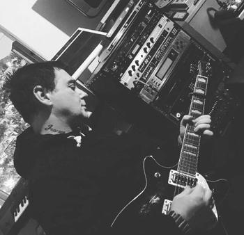 alex guitar new